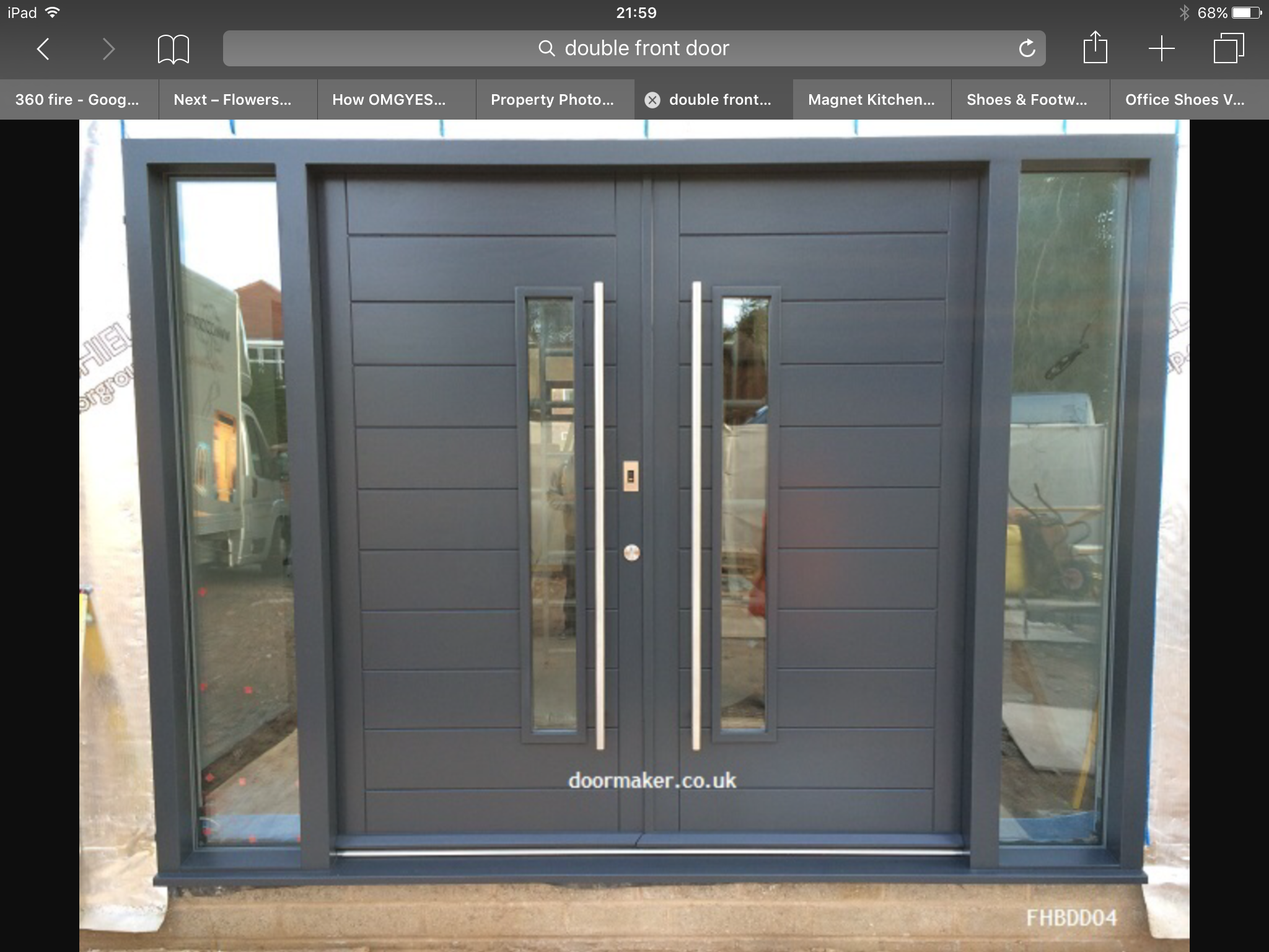 Pin By Madom Wanich On Room Front Doors Uk Contemporary Front Doors Double Front Entry Doors