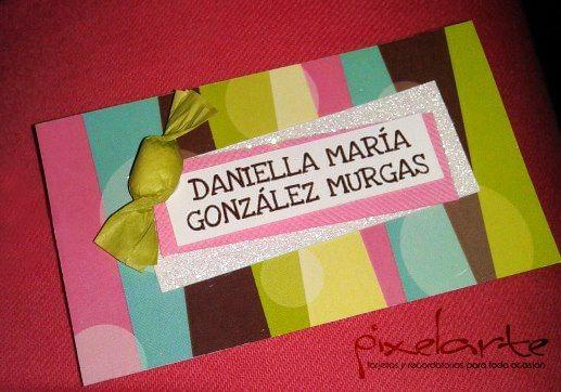 Colorida tarjeta personalizada con pastillas!