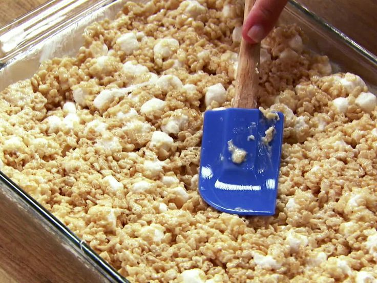 Marshmallow Crispy Treats These are even better than the regular rice krispie r #crispytreats