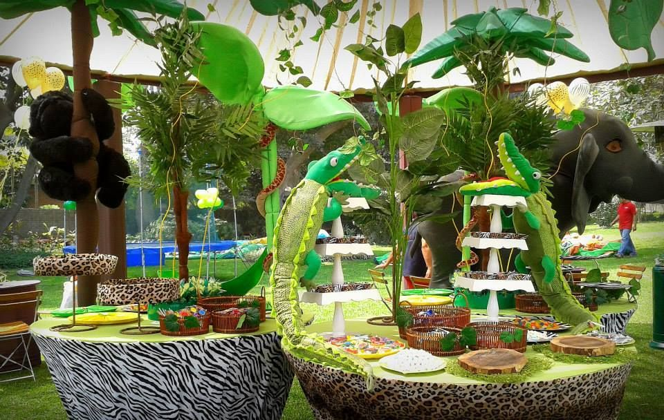 Jungle theme birthday party decorations fiestas for Decoration theme jardin