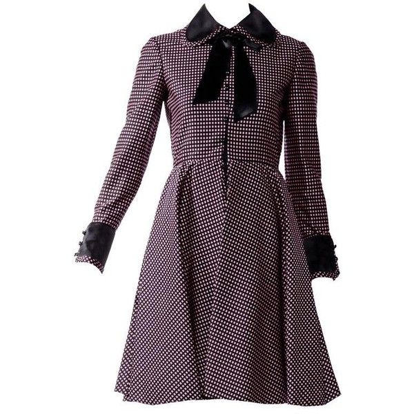 Preowned 1960s Geoffrey Beene Purple And Black Checkered Peter Pan... (£620) ❤ liked on Polyvore featuring dresses, purple, tailored dresses, checkered dress, peter pan collar dress, peter pan dress and silk dress