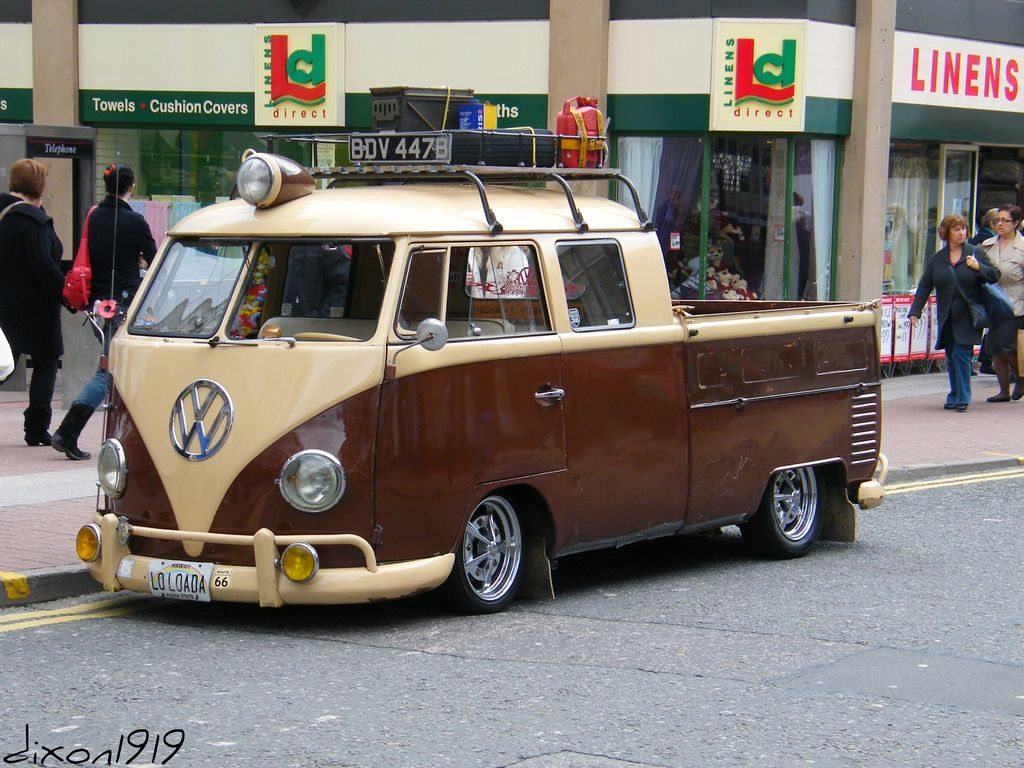 https://flic.kr/p/7Ze3vp | brown & cream VW