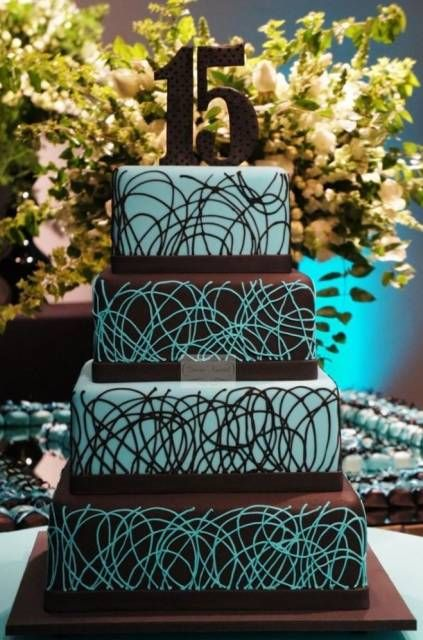 bolo azul e preto 15 anos