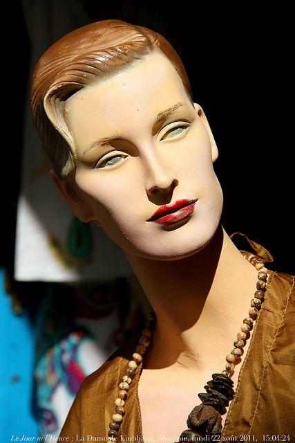 Le Jour Ni L Heure : heure, L'Heure, Ljubljana,, Slovénie,, Lundi, Août, 2011,, 15:04:24, Mannequin, Heads,, Mannequins,, Torso