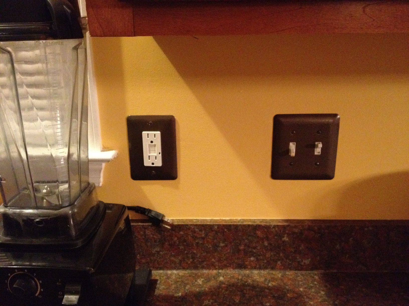 Black Wall Socket Covers Prepossessing Painting Your Electrical Outlets Black  Home  Pinterest Design Inspiration