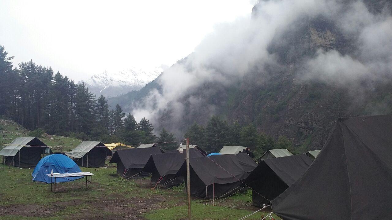 Kheerganga Camping And Trekking 1 Night 2 Days Trekking Tour Packages Camping