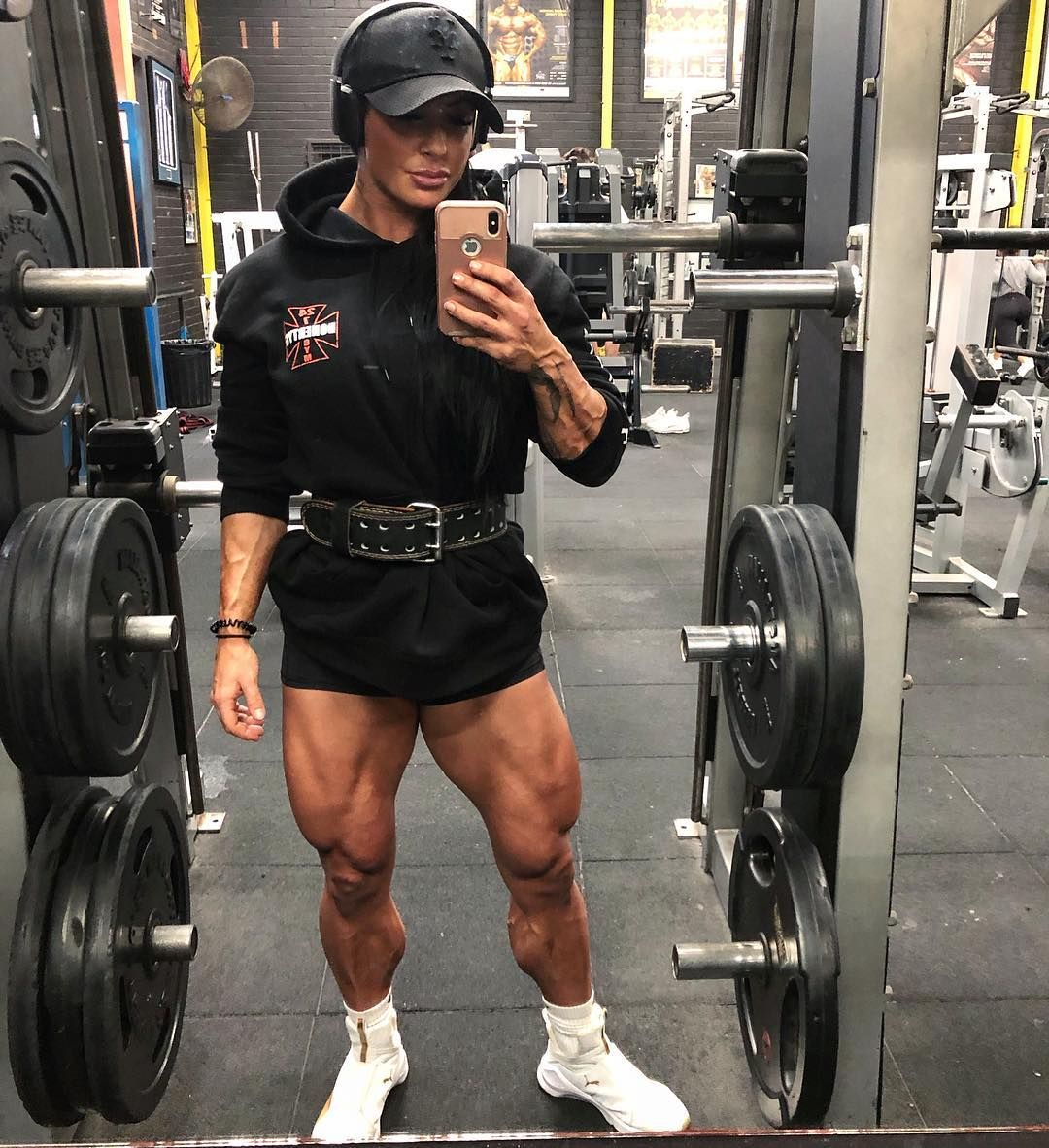 Wanna Train Legs With Me Limited Personal Training Sessions Are Now Available At Doherty S Gym Brun Online Coaching Personal Training Muscle Girls