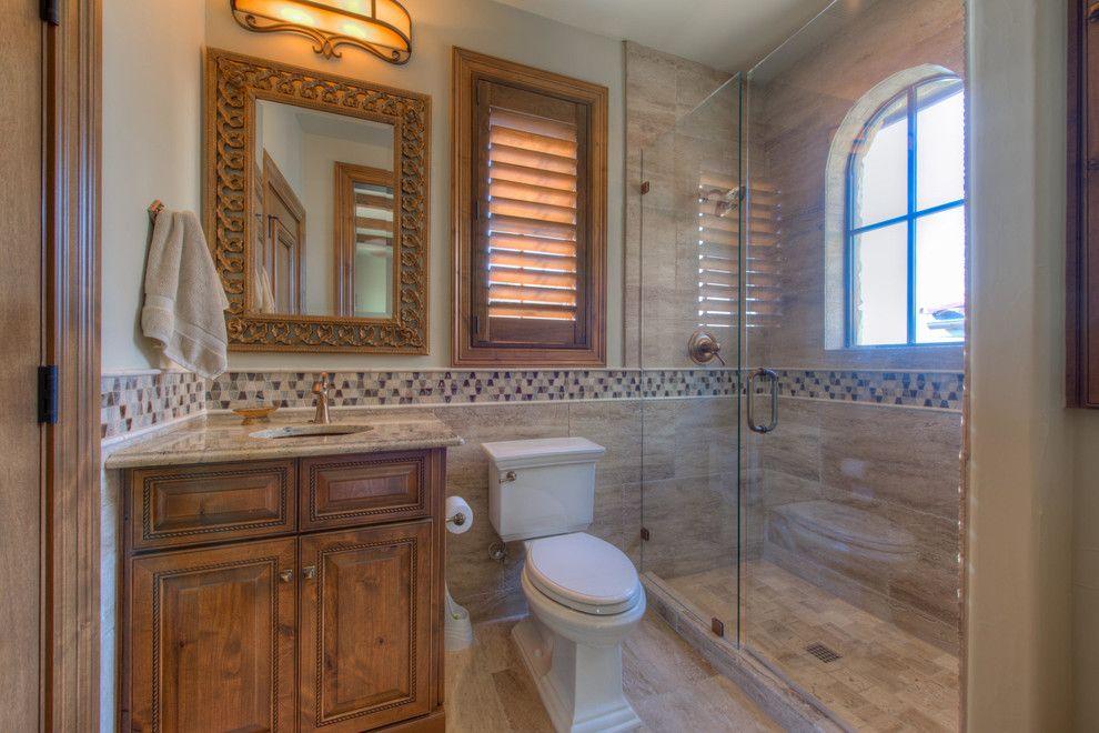 تصميم حمام مناسب للمساحه المتوسطه من اهم النصائح اللى تم تطبيقها فى التصميم وجود التواليت تحت الشباك و لتحقيق الراحة بشكل اكبر استخدموا كاب Bathroom Bathtub Sweet Home