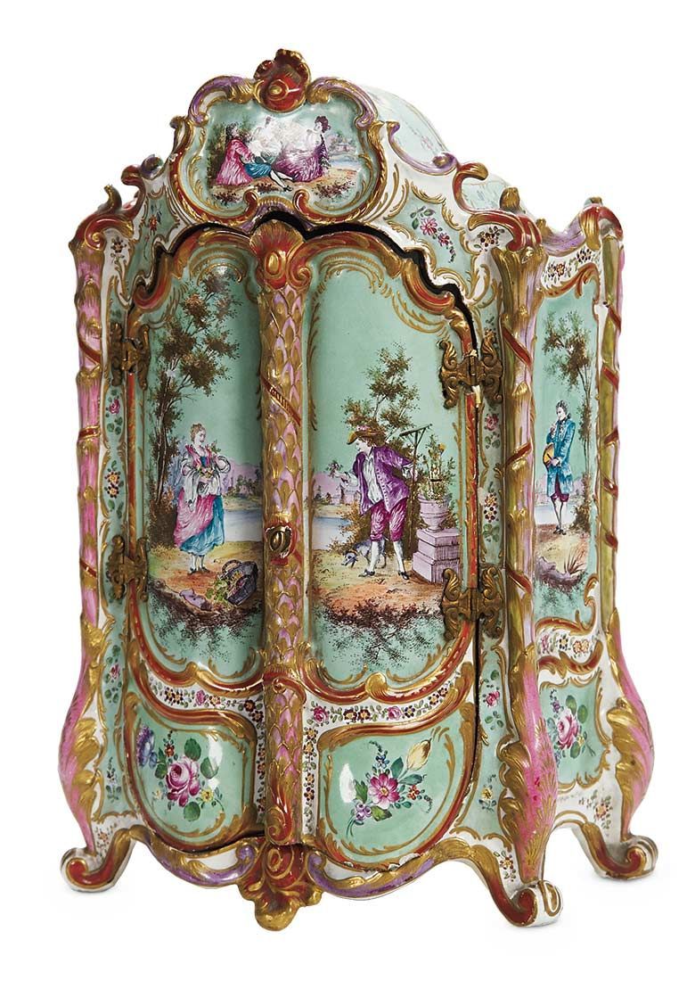 Theriault's Antique Doll Auctions - French Porcelain Armoire - Early 19th  century, 16