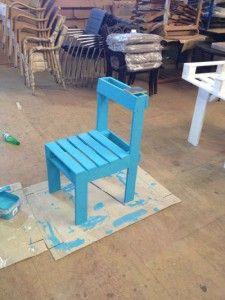 instructions pour construire une chaise avec une seule palette