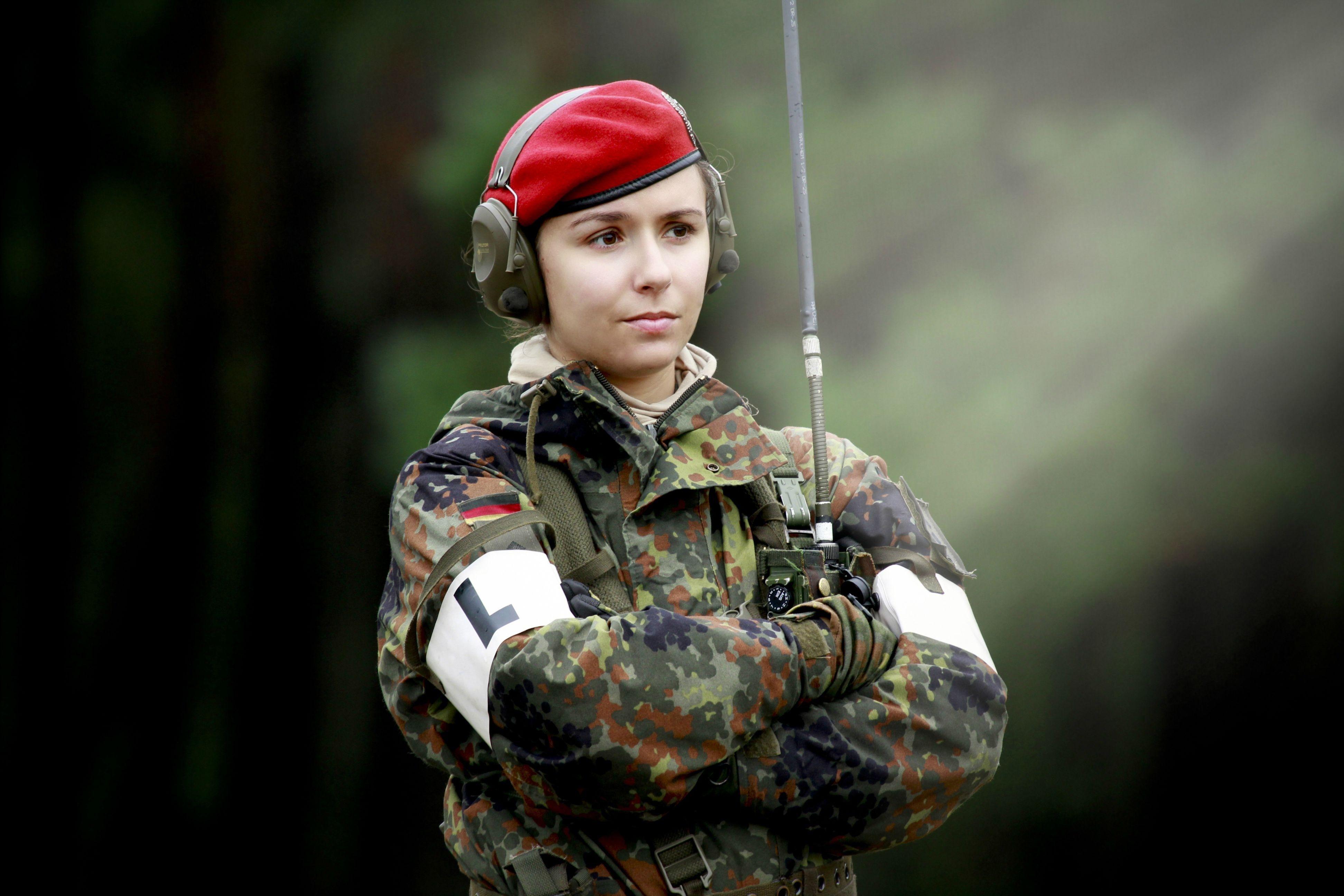 Police Officer Girl Wallpaper Amazing Soldier Wallpaper Soldier Category Ololoshenka