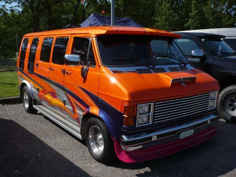 old custom dodge van   DODGE B200 Ram Van - vroom vroom   VANNIN ...