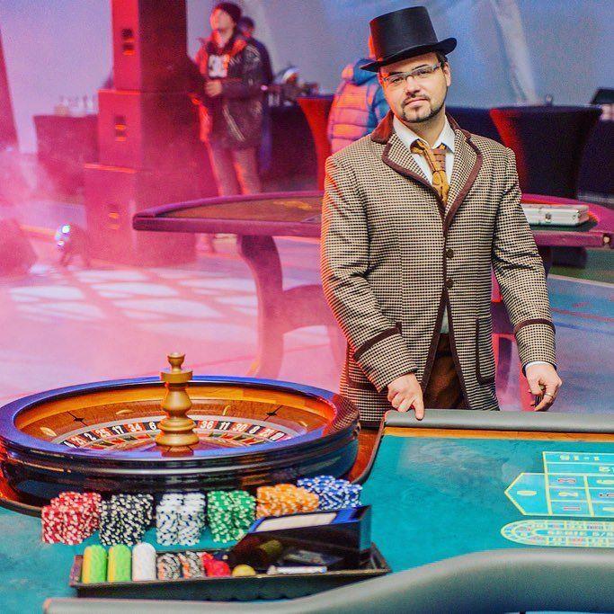Ведущий в казино игровые казино спарта