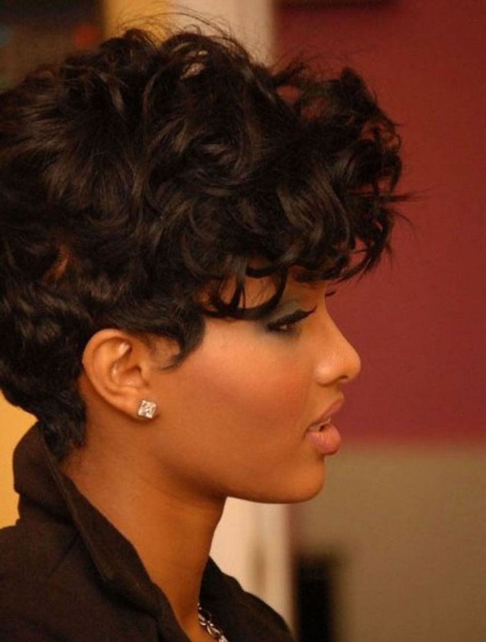 short weave hairstyles for round faces