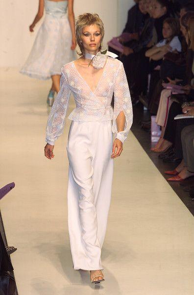 Narciso Rodriguez at New York Spring 2001