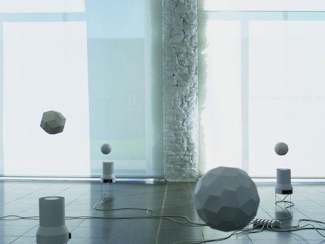 Attila Csorgo, Espace Culturel Louis Vuitton  http://artlifemagazine.com/art-exhibitions/espace-culturel-louis-vuitton-voigt-sesti-kurokowa-haudressy-csorgo-kempina.htm#
