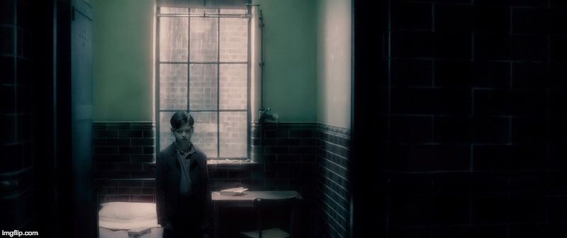 Der Junge Lord Voldemort Aka Tom Riddle In Harry Potter Und Der Halbblutprinz Wurde Von Hero Fiennes Harry Potter Film Harry Potter Fakten Verruckte Fakten