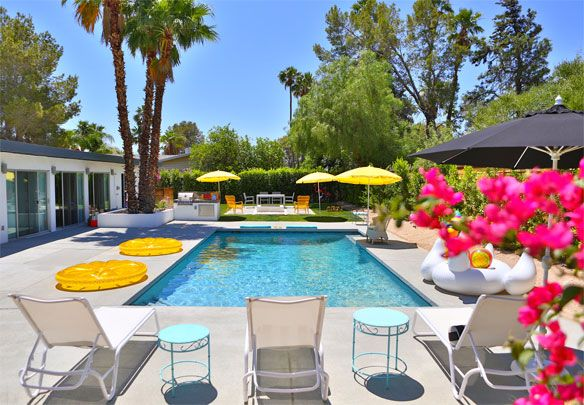 Fun Pool Party Decor Cool Pools Palm Springs Houses Pool Party