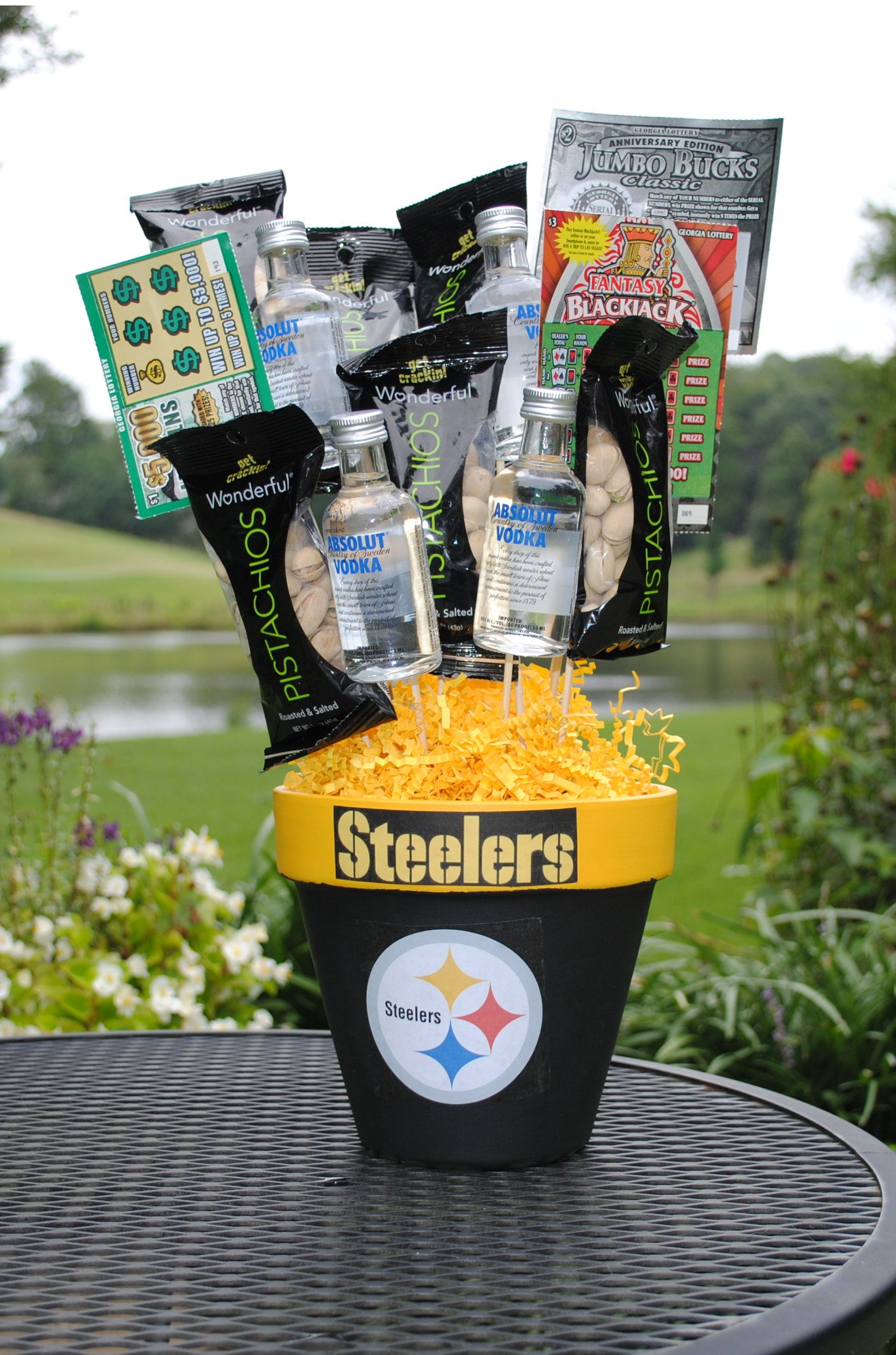 THE BEST GIFT FOR PITTSBURGH STEELERS FANS. The Pittsburgh Steelers are one of the most decorated franchises in the NFL. Ben Roethlisberger is an All-time great quarterback leading this great franchise. The Pittsburgh Steelers also have one of the most passionate fan bases in the league.