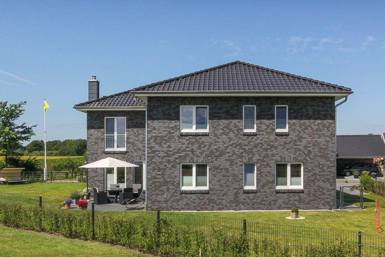 WinkelStadtvilla mit grauem Klinker Massivhaus, Villa
