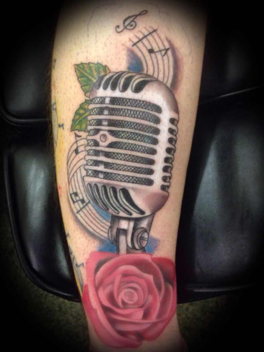 Tatouage Old School Signification Des Motifs Calligraphie Prenom old school  mic
