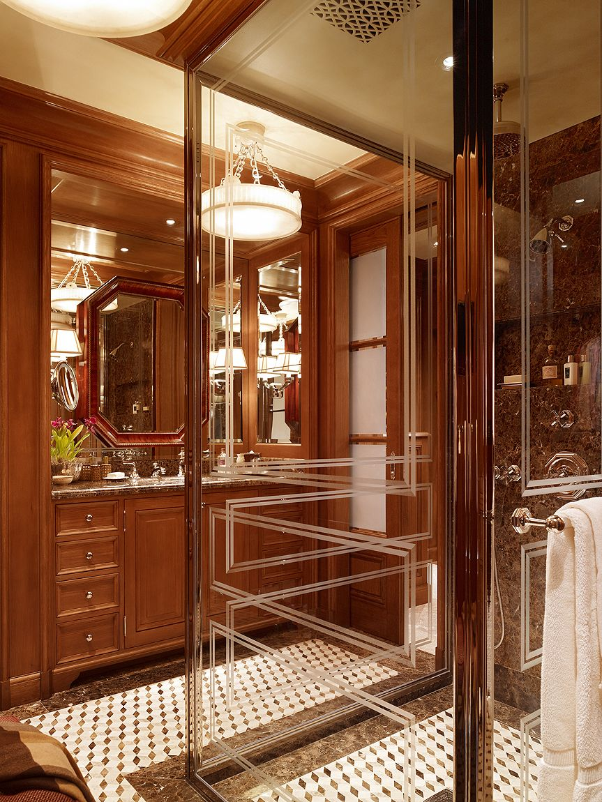 Bathroom Www Tuckerandmark Modesty Would Have To Fly Out The Window In This Bath Salle De Bain Et Cuisine Maison Haussmann