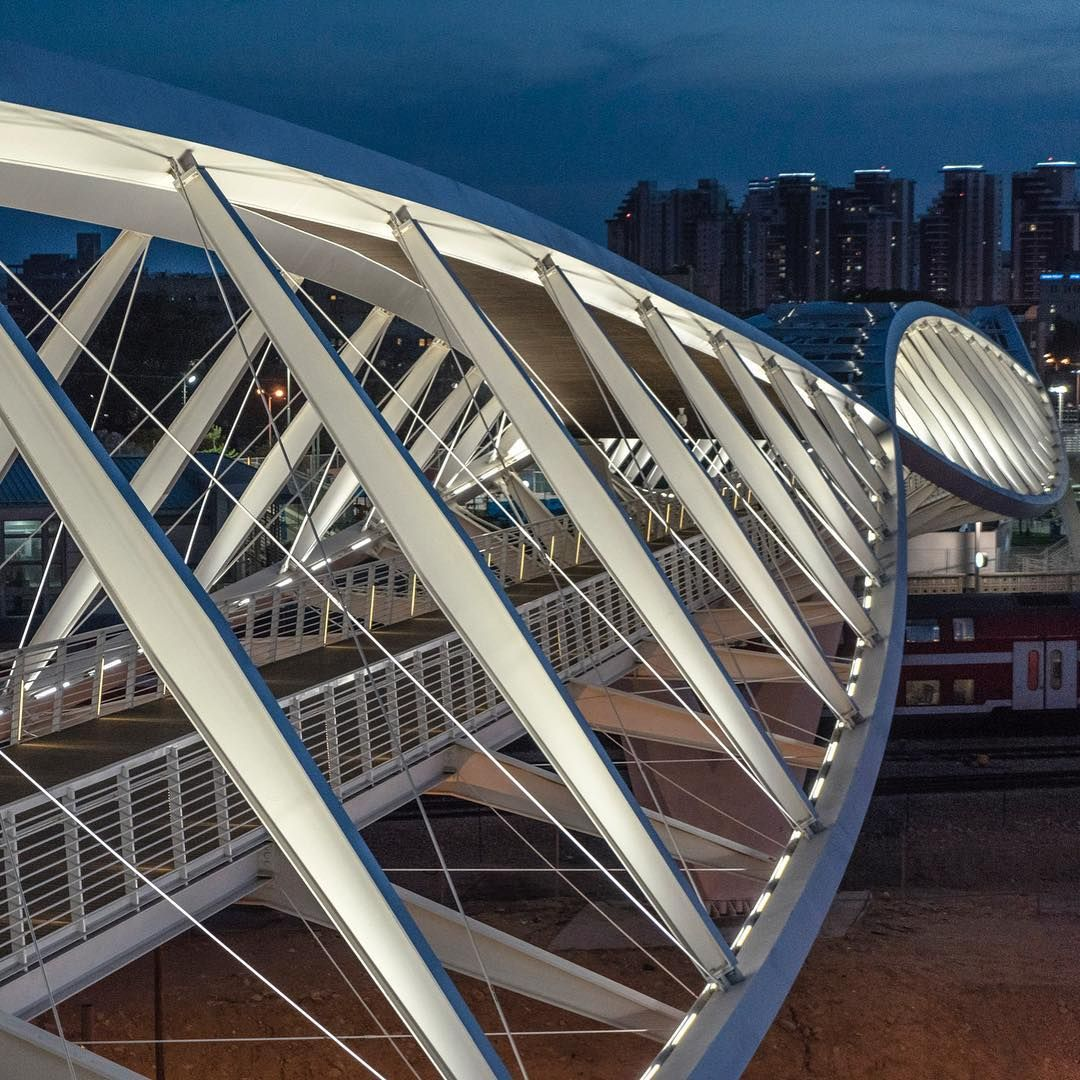 High Tech Modern Architecture Buildings: The High-Tech Park Bridge By Bar Orian Architects In