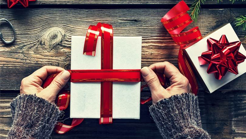 Christmas gifts ideas for your aunt and uncle