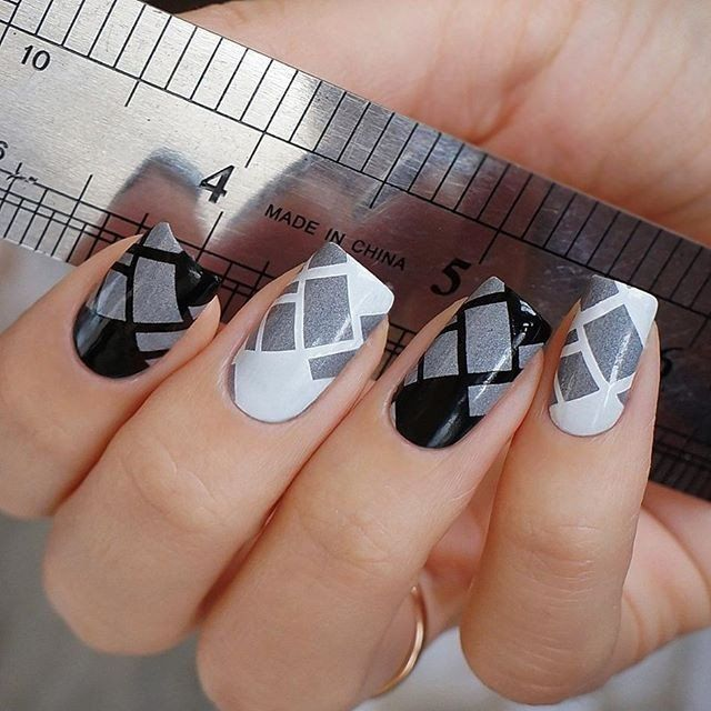 12 Amazing Diy Nail Art Designs: This Stamping Plate You Get 12 Amazing Designs Using