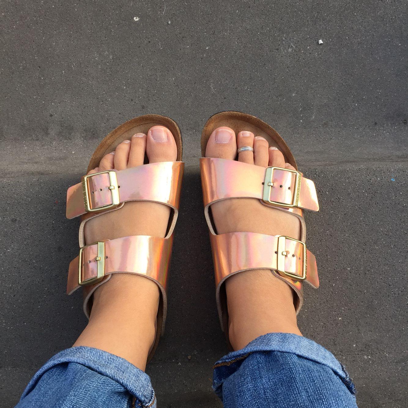 Copper birkenstocks trend style | Heel sandals outfit