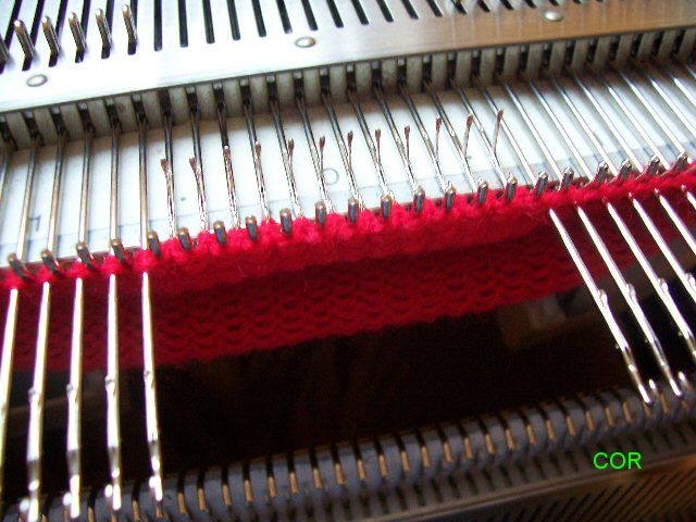 How to do short rows on a knitting machine on both sides | Tejer a ...
