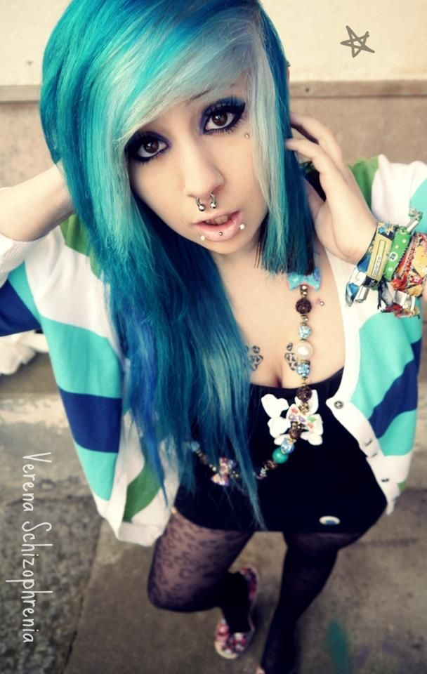 Pin By Tc568621 On Hair Arts Emo Scene Hair Cute Emo Girls Emo