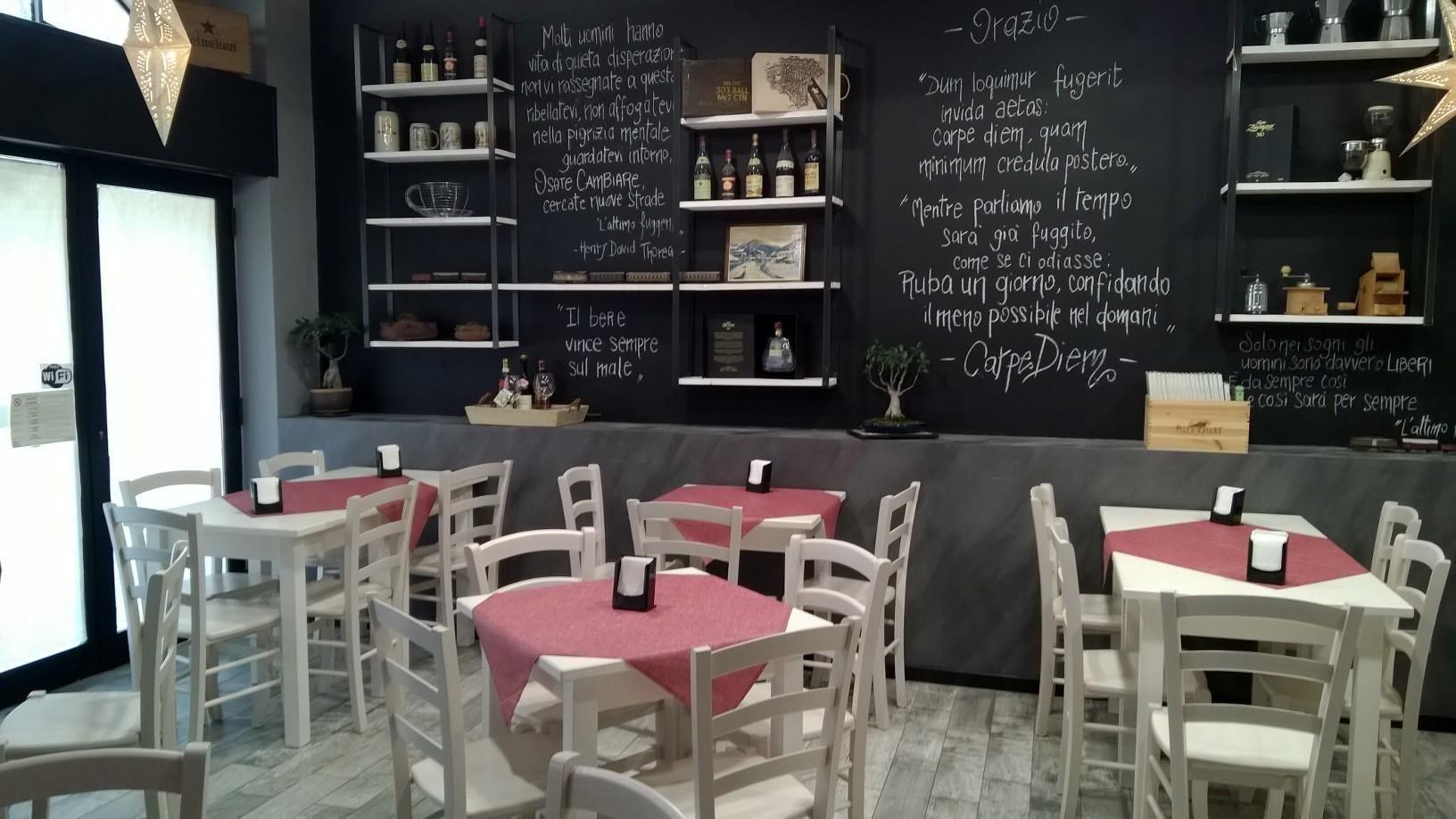 Sedie e tavoli pub ristoranti pizzerie maieron snc www for Arredamento per pizzeria