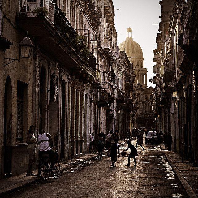 Calle Brasil Habana Vieja Cuba Travel Photos Wonders Of The World