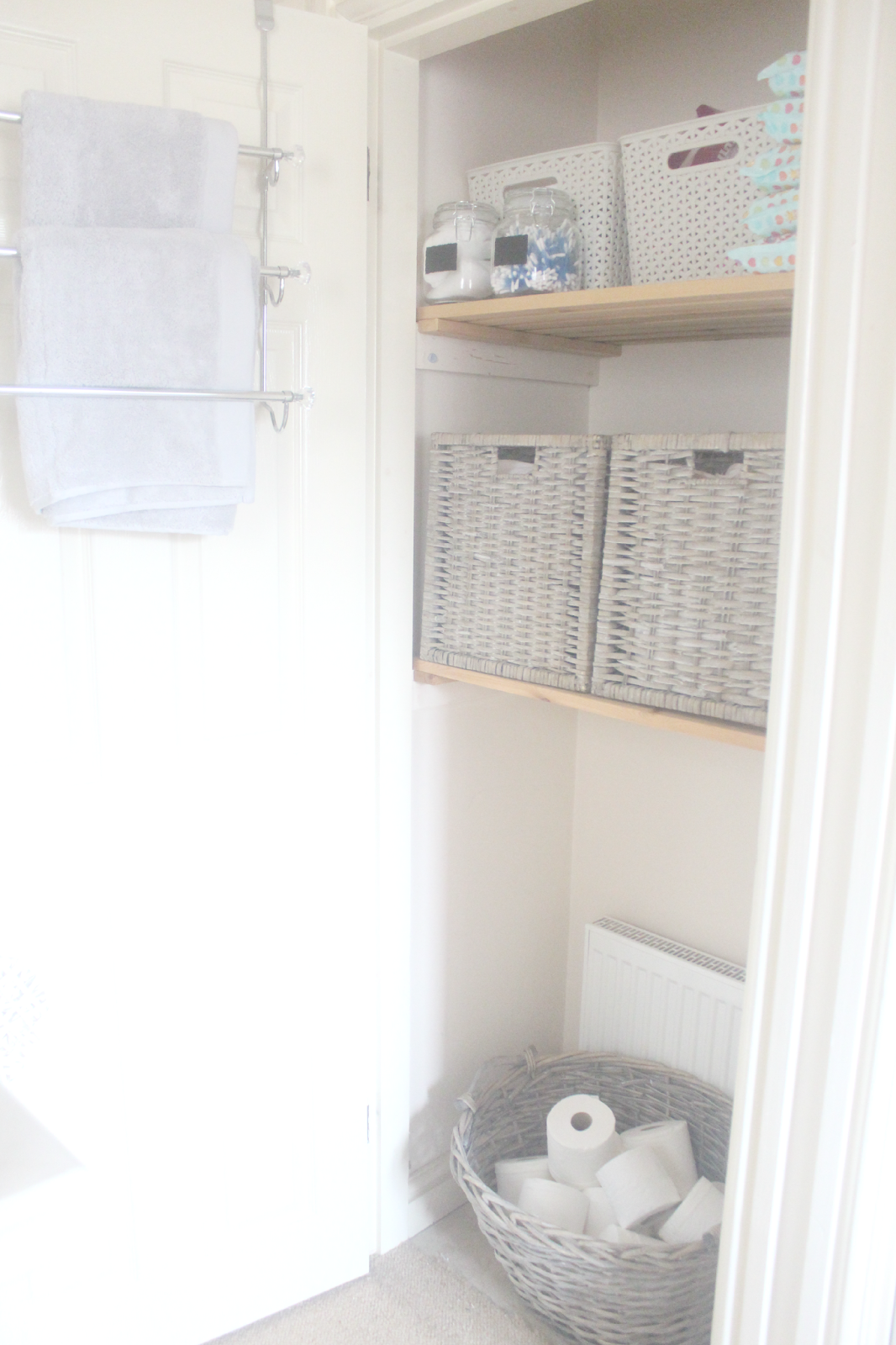 STORAGE SOLUTIONS LINEN CUPBOARD MAKEOVER   Linen cupboard ...