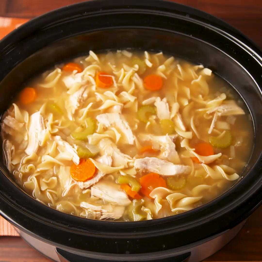 Easy Crock-Pot Chicken Noodle Soup #chickennoodlesoup