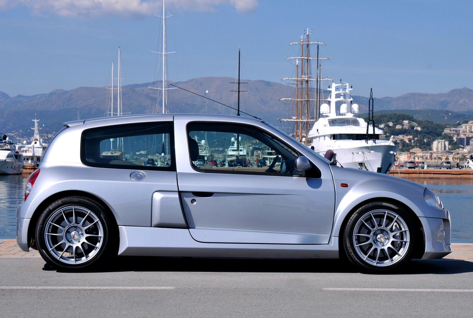 Renault Clio 3 0 V6 Sport Cars And Bikes Pinterest Cars