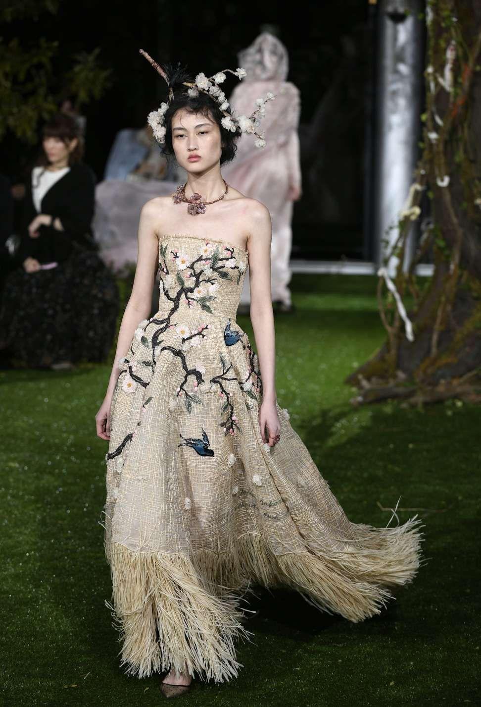 514b8ea523527 Related image   FASHION   Dior   Haute couture, Couture et Dior