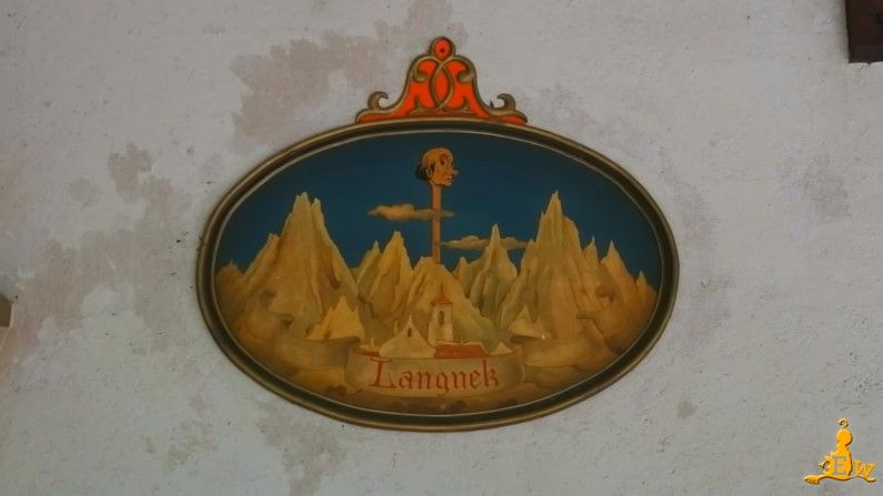 En dan heb je Langnek, de 6de en bekendste dienaar