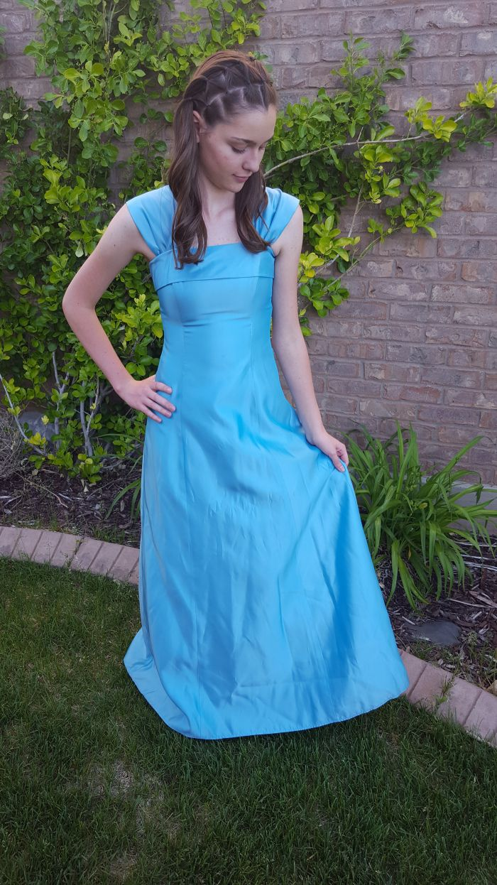 This nonprofit organization loans out prom dresses to girls in ...