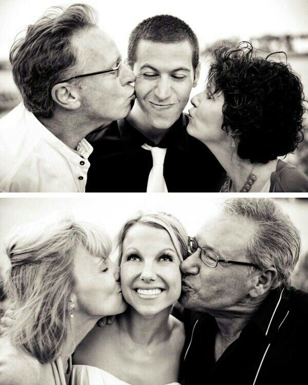 Wedding Day Pictures With Mom And Dad Bliss If Only My Parents Could Get That Close To Each Other