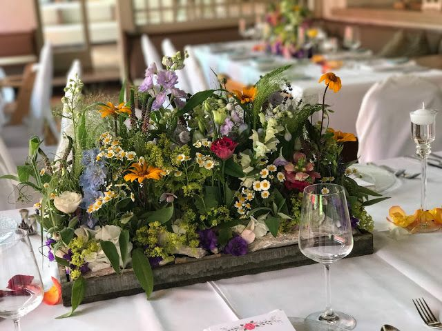 Tischblumen Blumenwiese Bunte Sommerblumen Hochzeit Am See Und In Den Bergen Riessersee Hotel Garmisch Partenkirchen Bayern Nahe Der Zugspitze Hochzeitspla