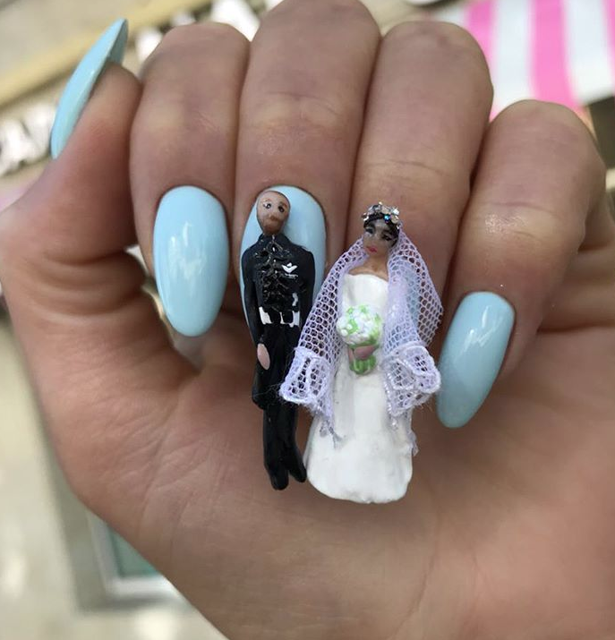 Or A Royal Wedding 15 Manicures That Will Make You Want To Burn Your Eyeballs Manicure Crazy Nails Crazy Nail Designs