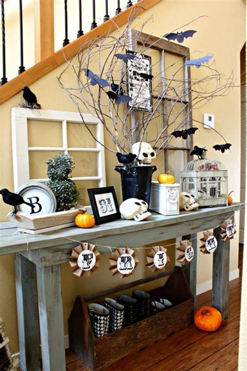 37 Attractive Rustic Halloween Decorating Ideas for 2019
