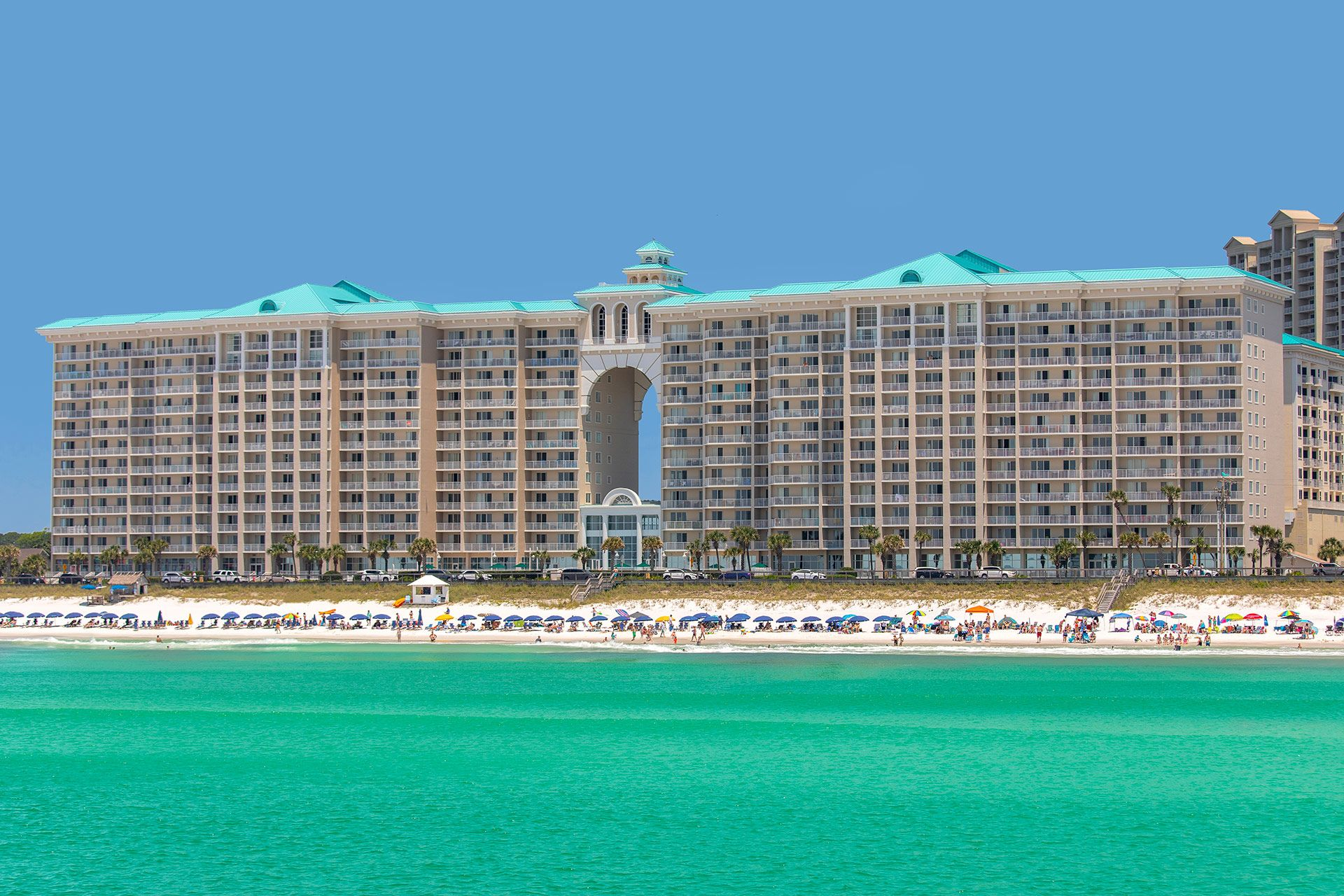 These Are The Fastest Reserving 2 Bedroom Vacation Rentals At The Majestic Sun In 2020 Florida Hotels Hotels In Destin Florida Destin Florida Vacation