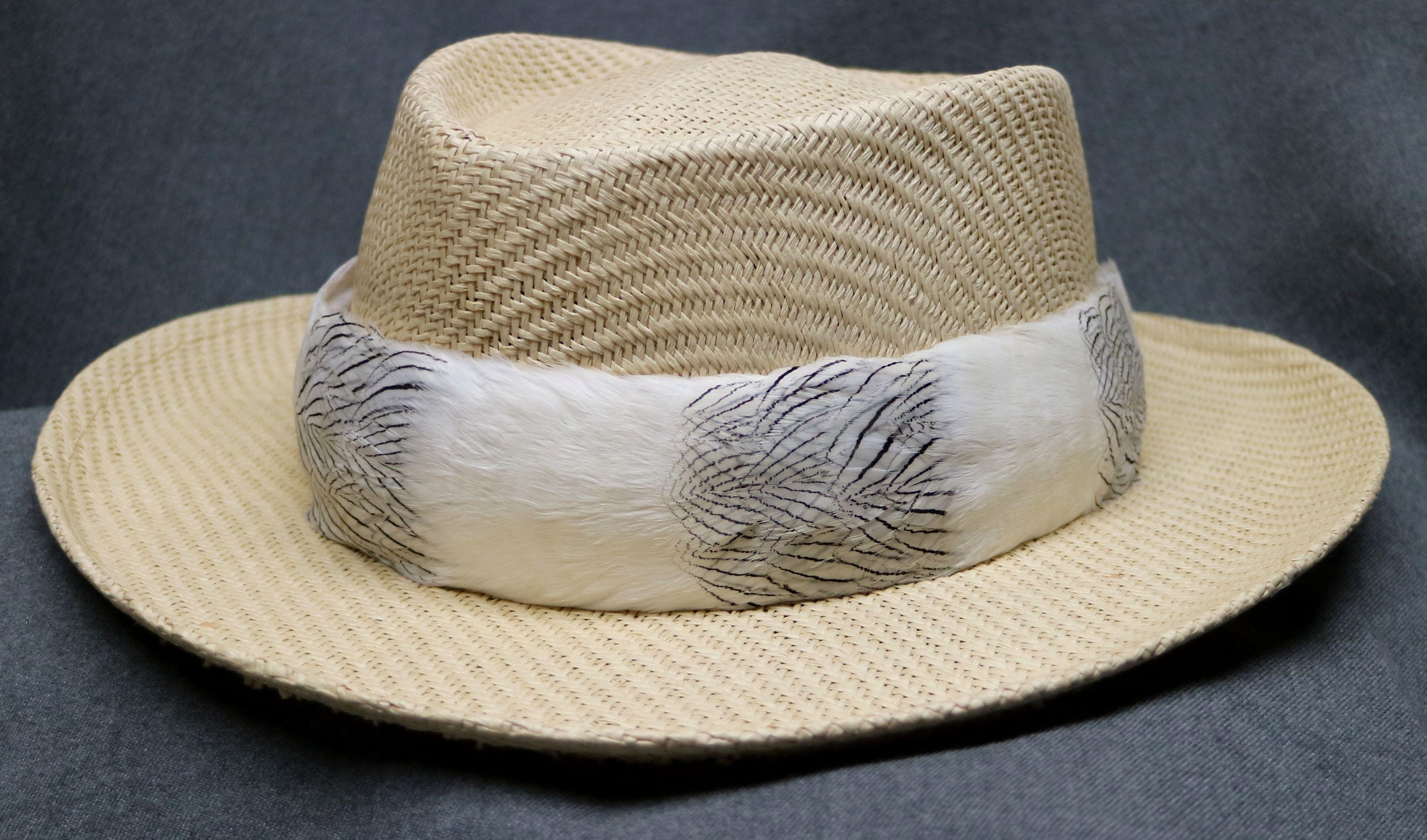 Pin On Lei Hulu Hawaiian Feather Lei And Hat Bands