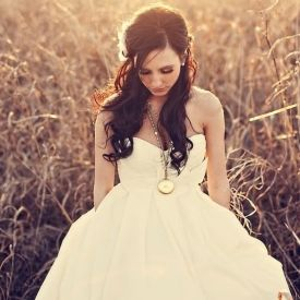 Style Spotlight: Check out some of our favorite pocketed wedding dresses! Get ready to fall in love! Photo via Three Nails