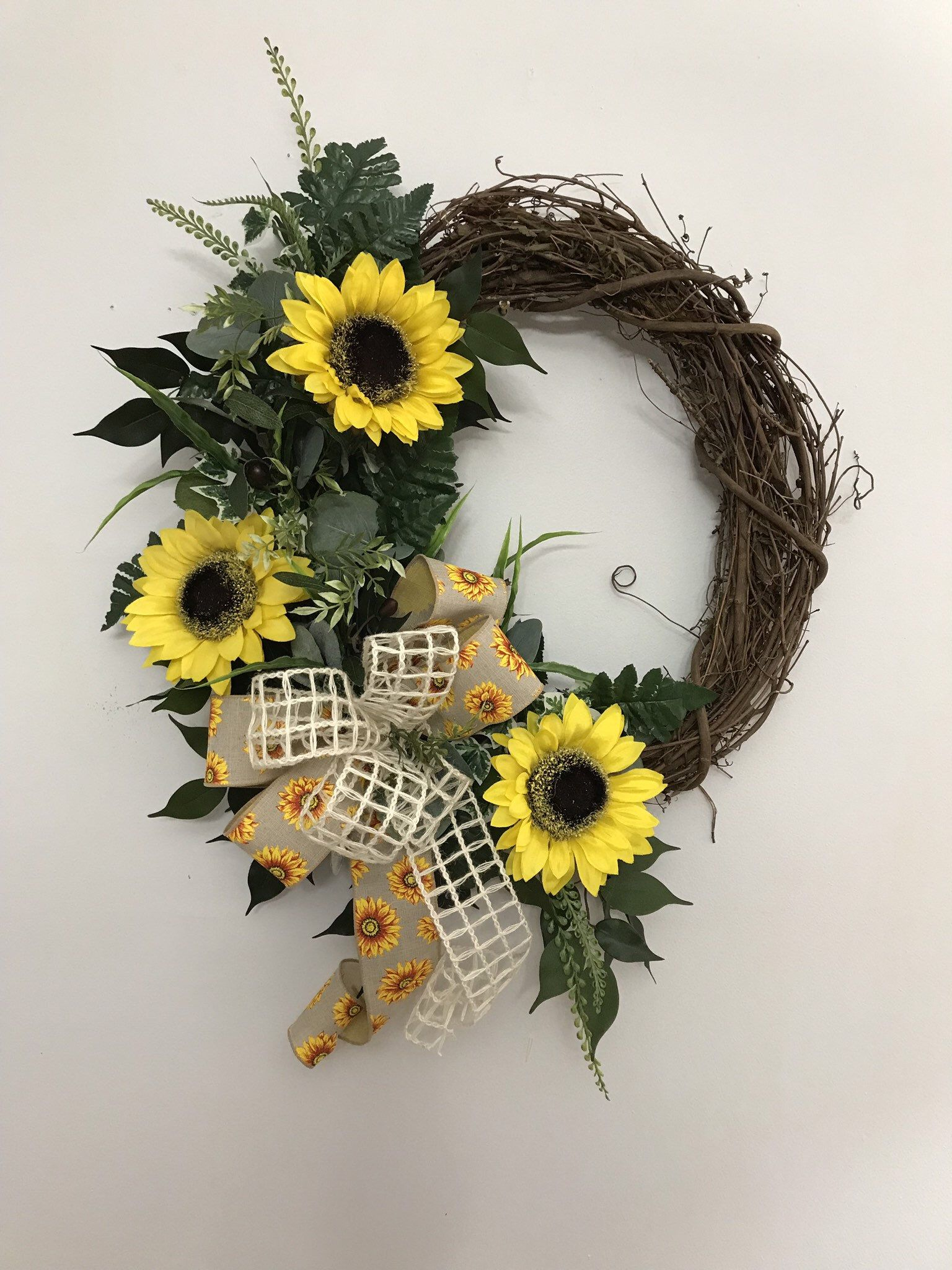 Photo of 392S19 Sunflower Wreath. Summer Wreath. Summer Decor. Front Door Wreath.