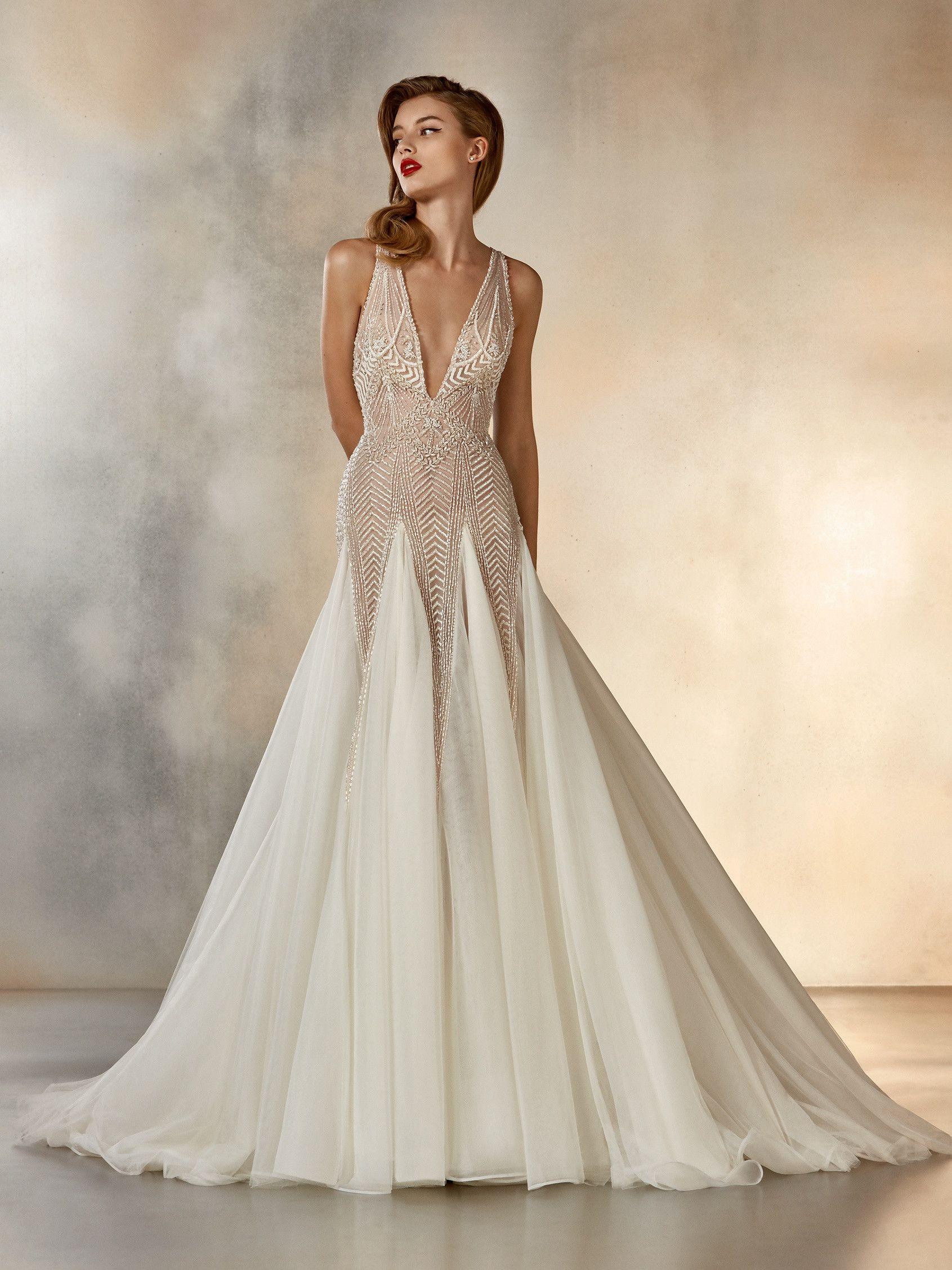 "6f8b968a4adb6 l Atelier Pronovias l 2020 Cruise Collection l ""Dreaming"" l Sleeveless  princess wedding dress"
