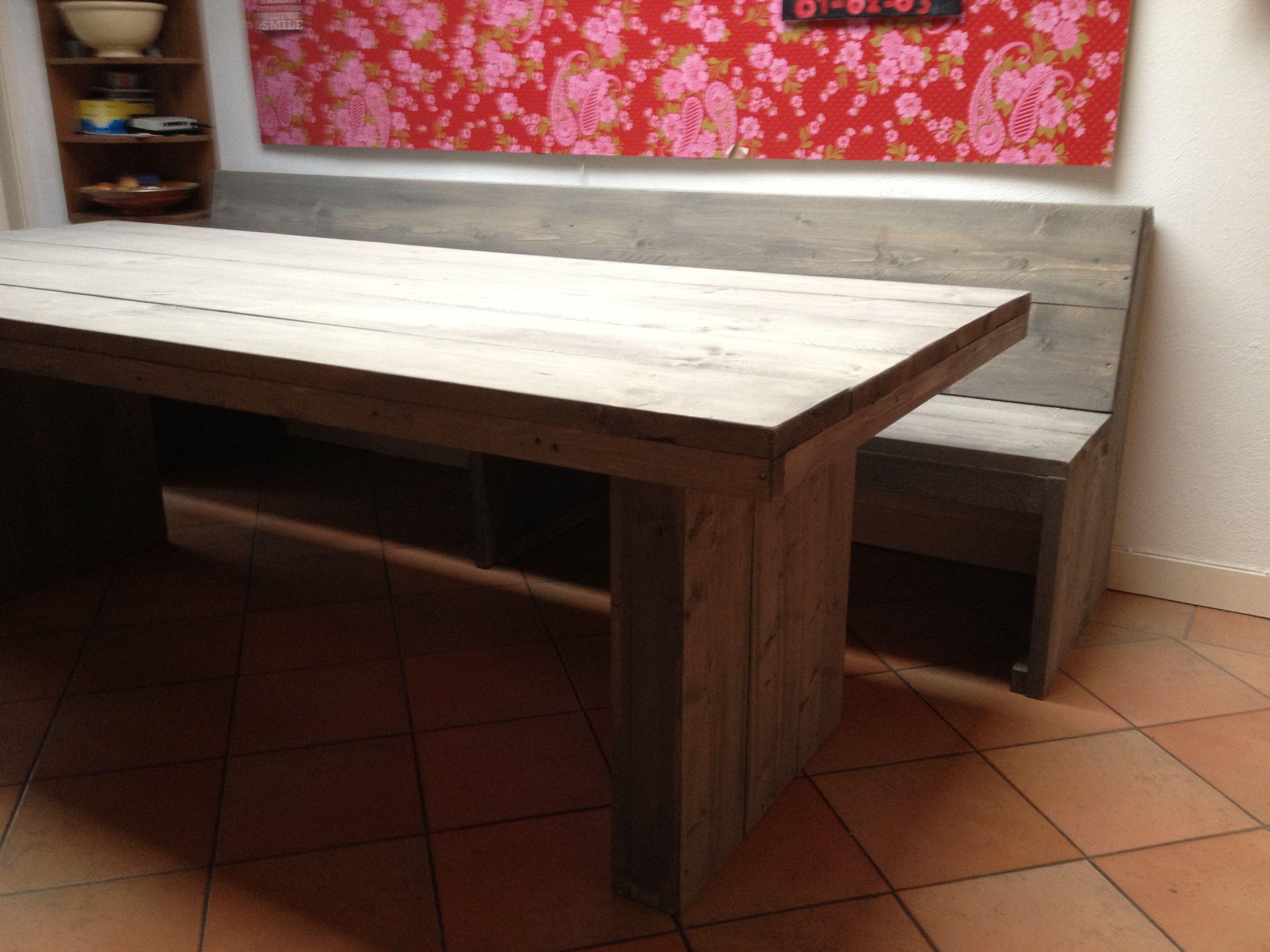 Functionele steigerhouten tafel met de ruime afmetingen de steigerhouten tafel is voorzien van - Hoe een grote woonkamer te voorzien ...
